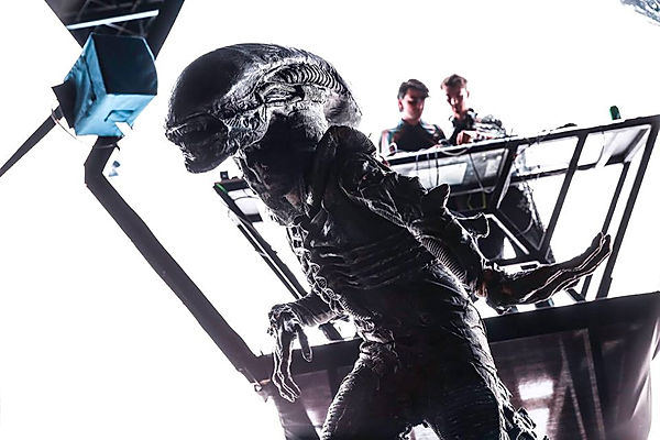 Alien themed events, parties and entertainment for theming birthdays and festivals.