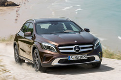 2015-mercedes-benz-gla-class-passengers-front-view-in-motion.jpg