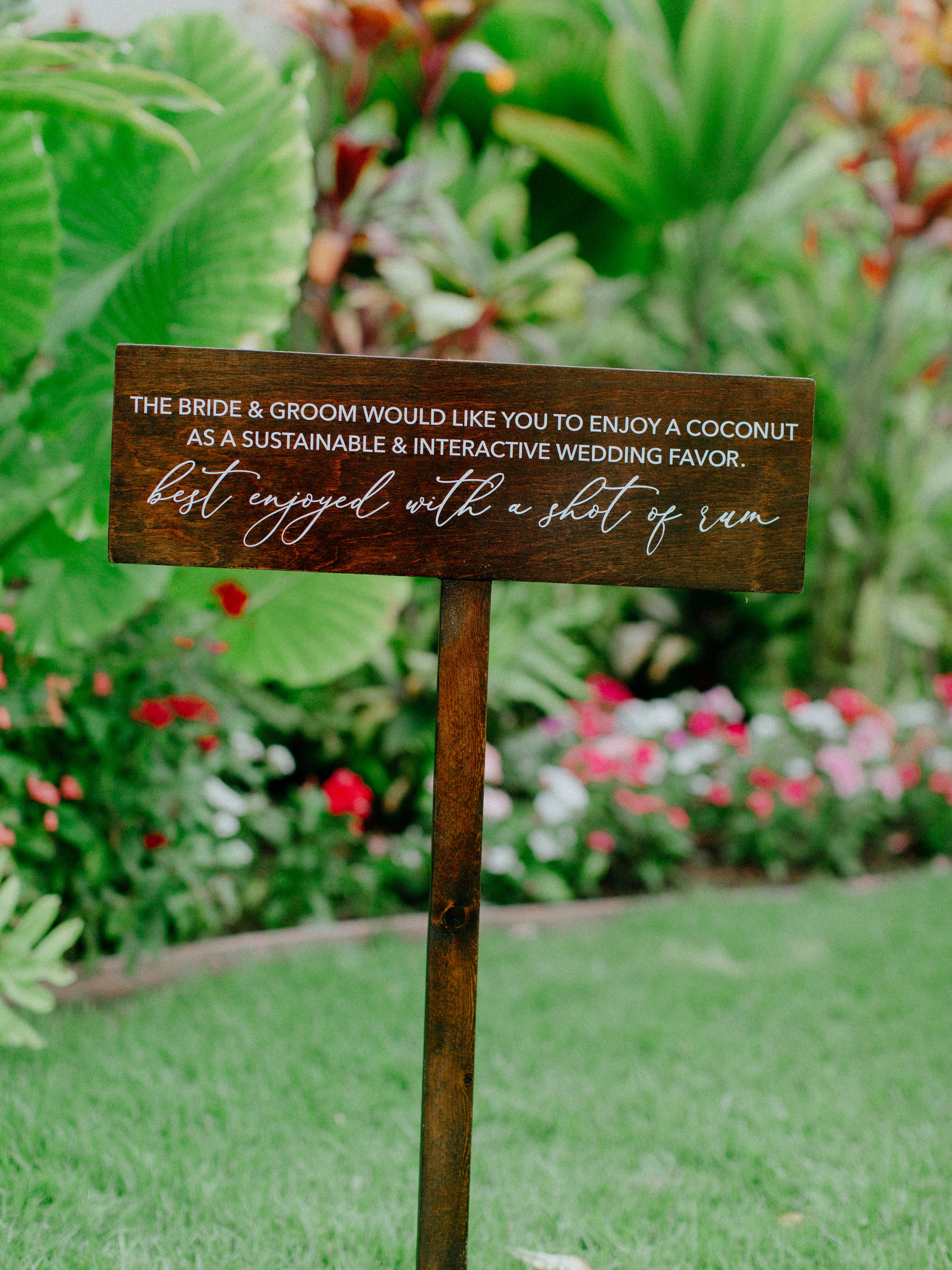 A sustainable and interactive wedding favor