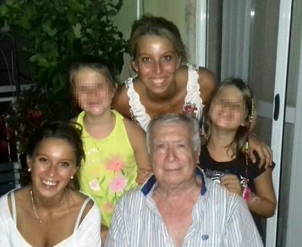 Le nipoti con il nonno
