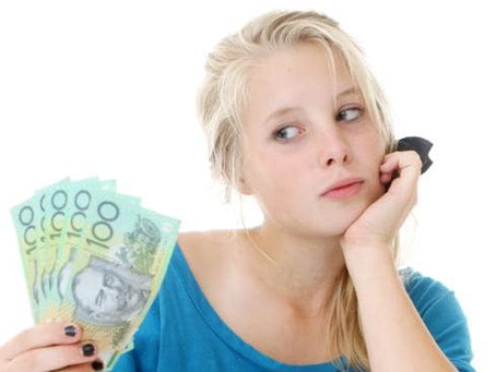 Helping Your Teenager Learn to Manage Money