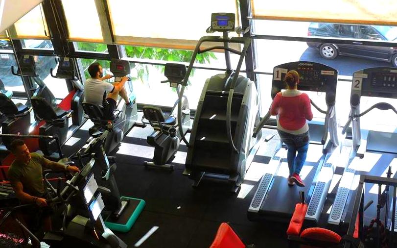 cardio aparatos gimnasio Steel and blood 05