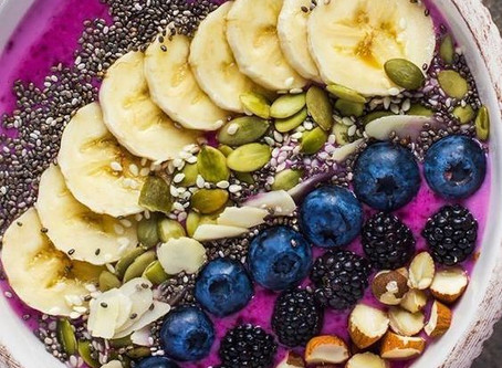 Raw Smoothie Bowl with Banana Berry