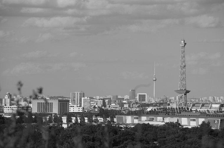 berlin skyline sw.jpg