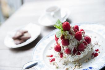 Raspberry & Pistachio Meringue Cake (Pre