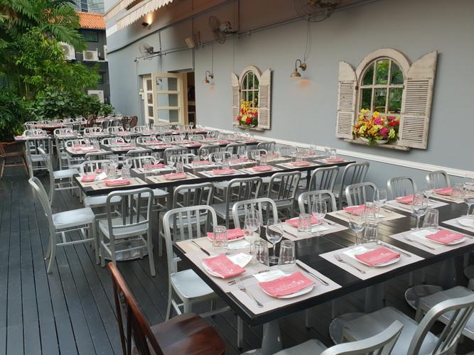 Table setting 2, terrace.jpg