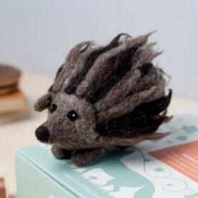 Hedgehog needlefelting kit