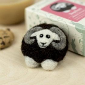 Black Sheep Brooch needlefelting kit
