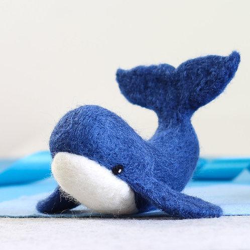 Whale needlefelting kit