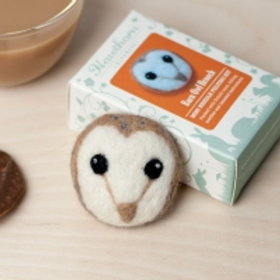 Barn Owl Brooch needlefelting kit