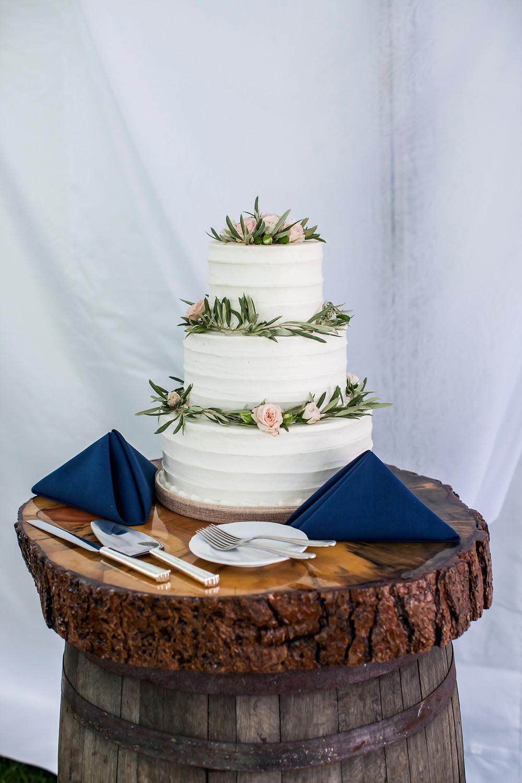 Keystone Wedding Cake, Ski Tip Lodge Wedding
