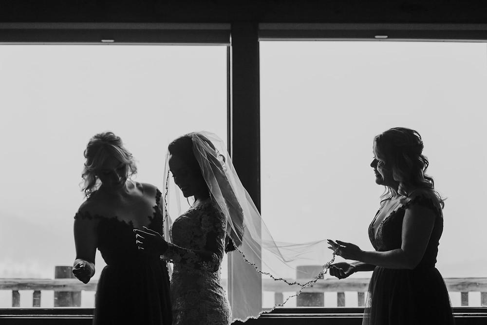 Breckenridge Wedding - Breckenridge Winter Wedding - The Lodge at Breckenridge Wedding - Bride and Bridesmaids