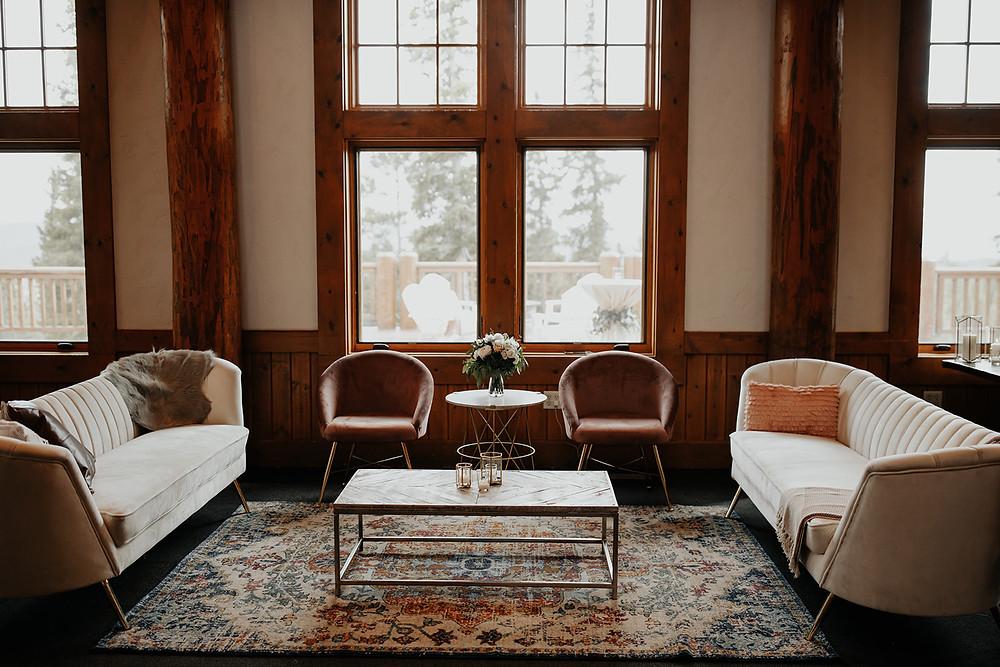 Keystone Wedding Planner - Timber Ridge Wedding - Sitting Area