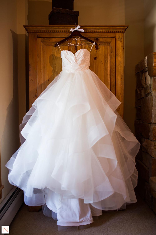 Keystone Wedding, Wedding Dress