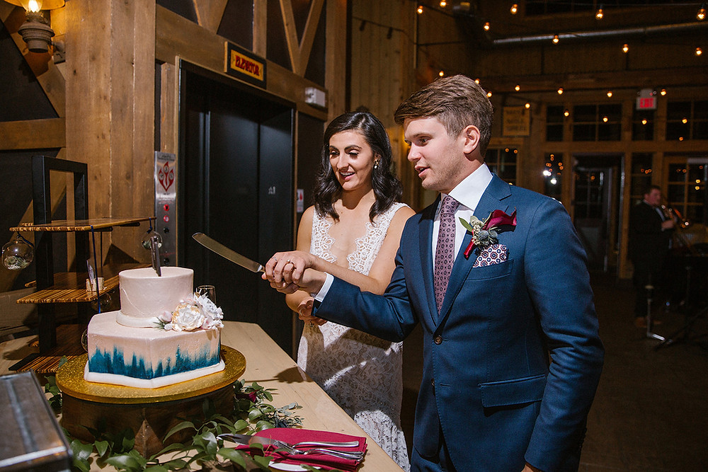 Breckenridge Wedding Planner - Ten Mile Station Wedding - Cake Cutting