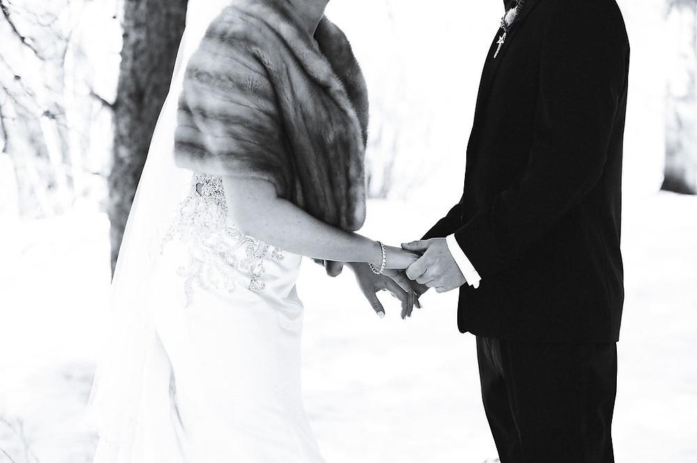 Colorado Winter Wedding - Colorado Winter Wedding Couple