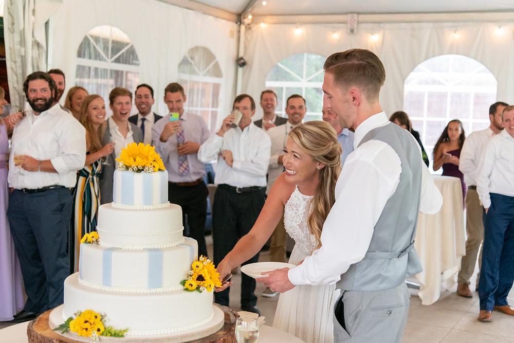 Keystone Wedding Planner - Keystone Ranch Wedding - cake cutting
