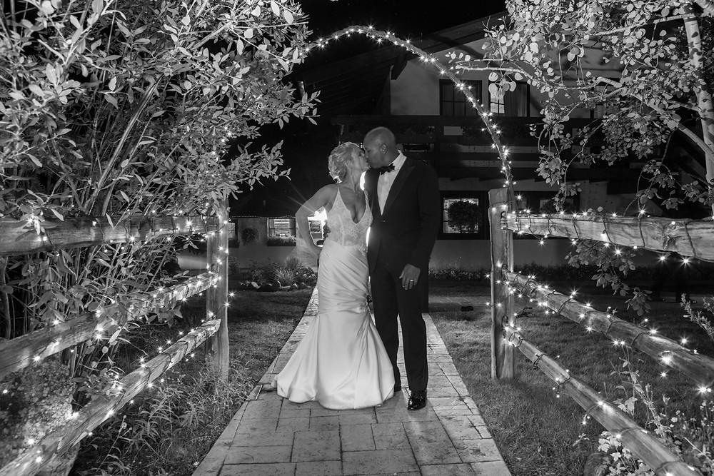 Colorado Wedding Planner - Late night kiss