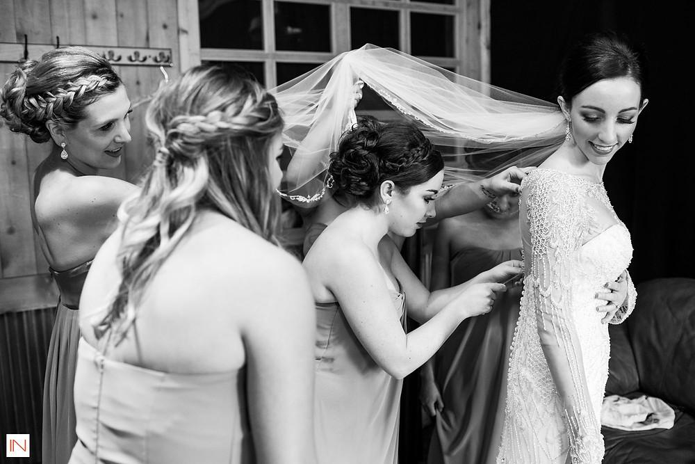 Breckenridge Wedding Planner - Bride and her bridesmaids