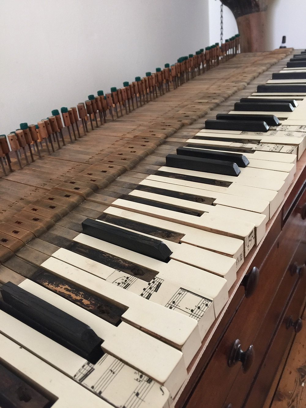 Gathering 3 sets of piano keys