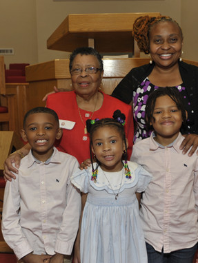 Pat Lockwood, Kellene Davis and Family