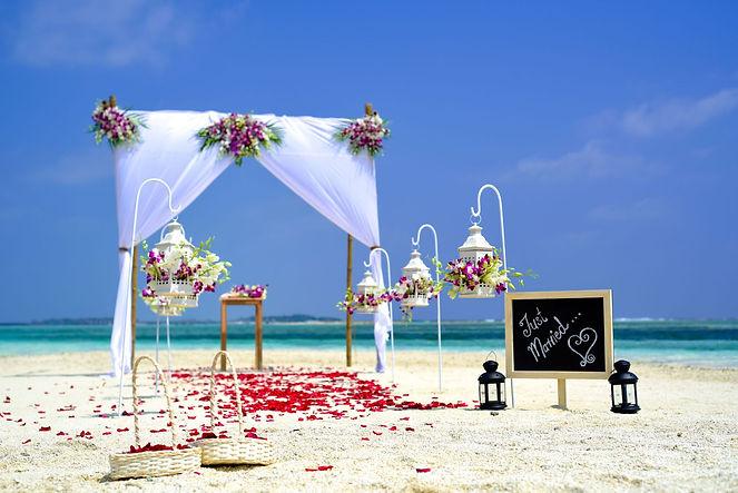 Beach-Wedding-Decor-Ideas-White-Sands-We