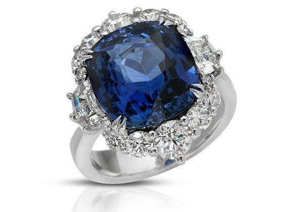 18K BLUE SAPPHIRE DIAMOND RING