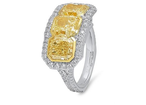 18K THREE-STONE YELLOW DIAMOND RING
