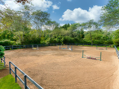 One of two smaller arenas ideal for beginner to intermediate students to offer a more individualized and personal experience. Complete with state of the art footing, maintained for all lessons throughout the day.