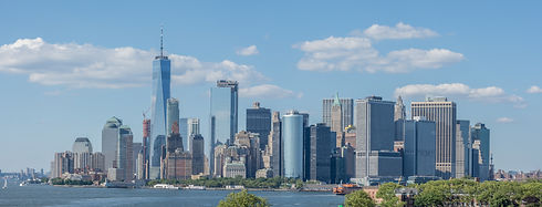 Lower_Manhattan_skyline_-_June_2017.jpg