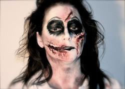 Halloween enge gezicht met nepwond