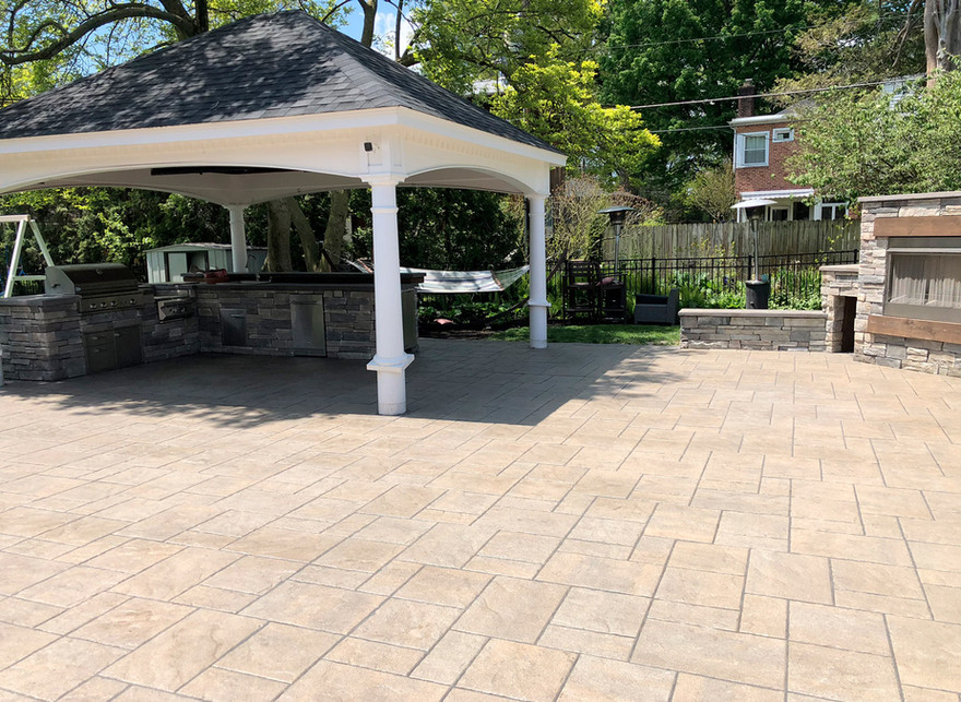 patio, outdoor kitchen, fireplace