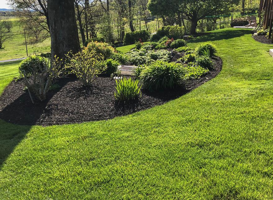 landscaping, mulching