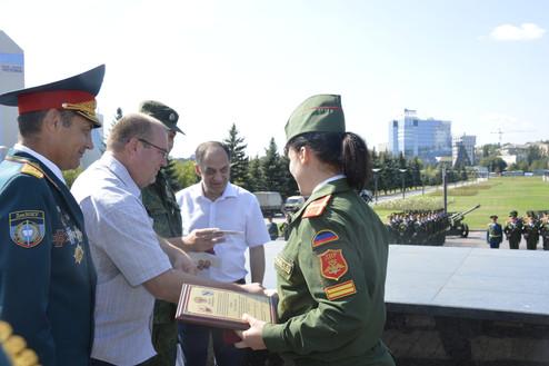Вручение стипендий курсантам ДонВОКУ ВС