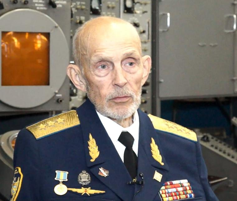 Фото Синицына в Музее ПВО.jpg