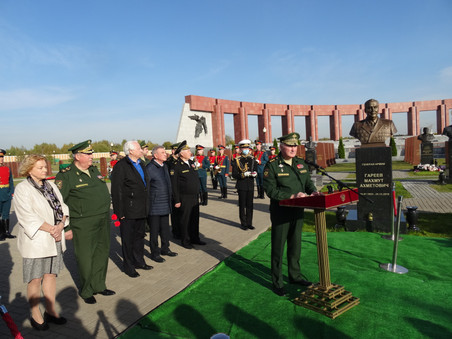Памятник адмиралу флота Алексею Ивановичу Сорокину