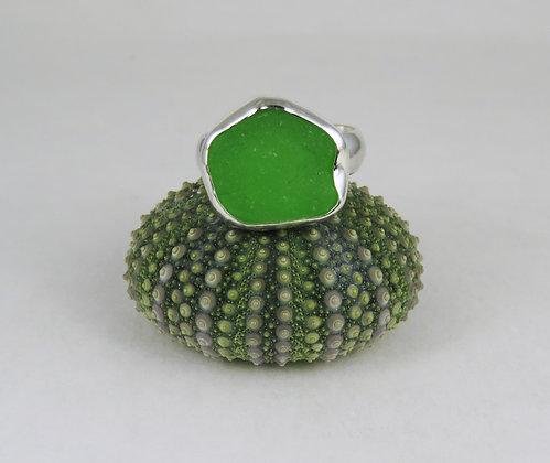 665. Bright Green Sea Glass Ring