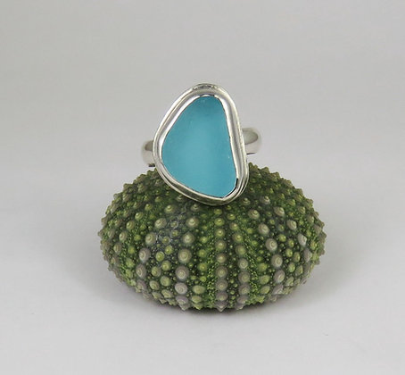 636. Bright Aqua Sea Glass Ring
