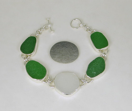 917. Green And White Sea Glass Bracelet