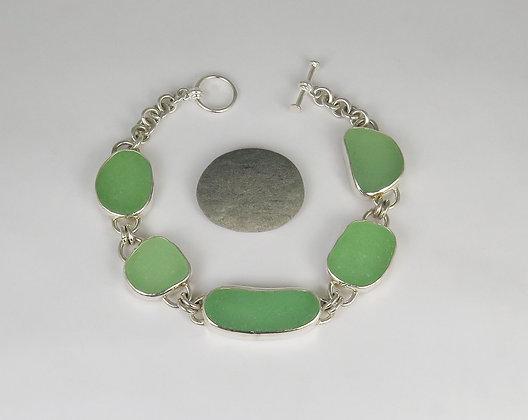 905. Seafoam Green Sea Glass Bracelet