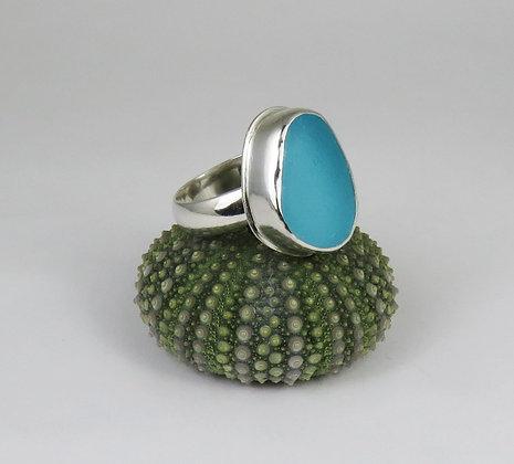 637. Bright Aqua Sea Glass Ring
