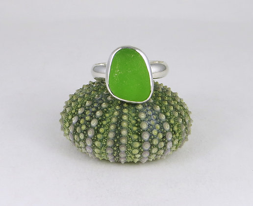 648. Lime Green Sea Glass Ring