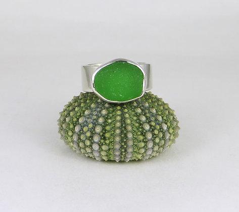 685. Emerald Green Sea Glass Ring