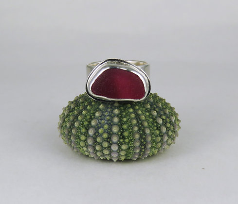 654. Red Multi English Sea Glass Ring