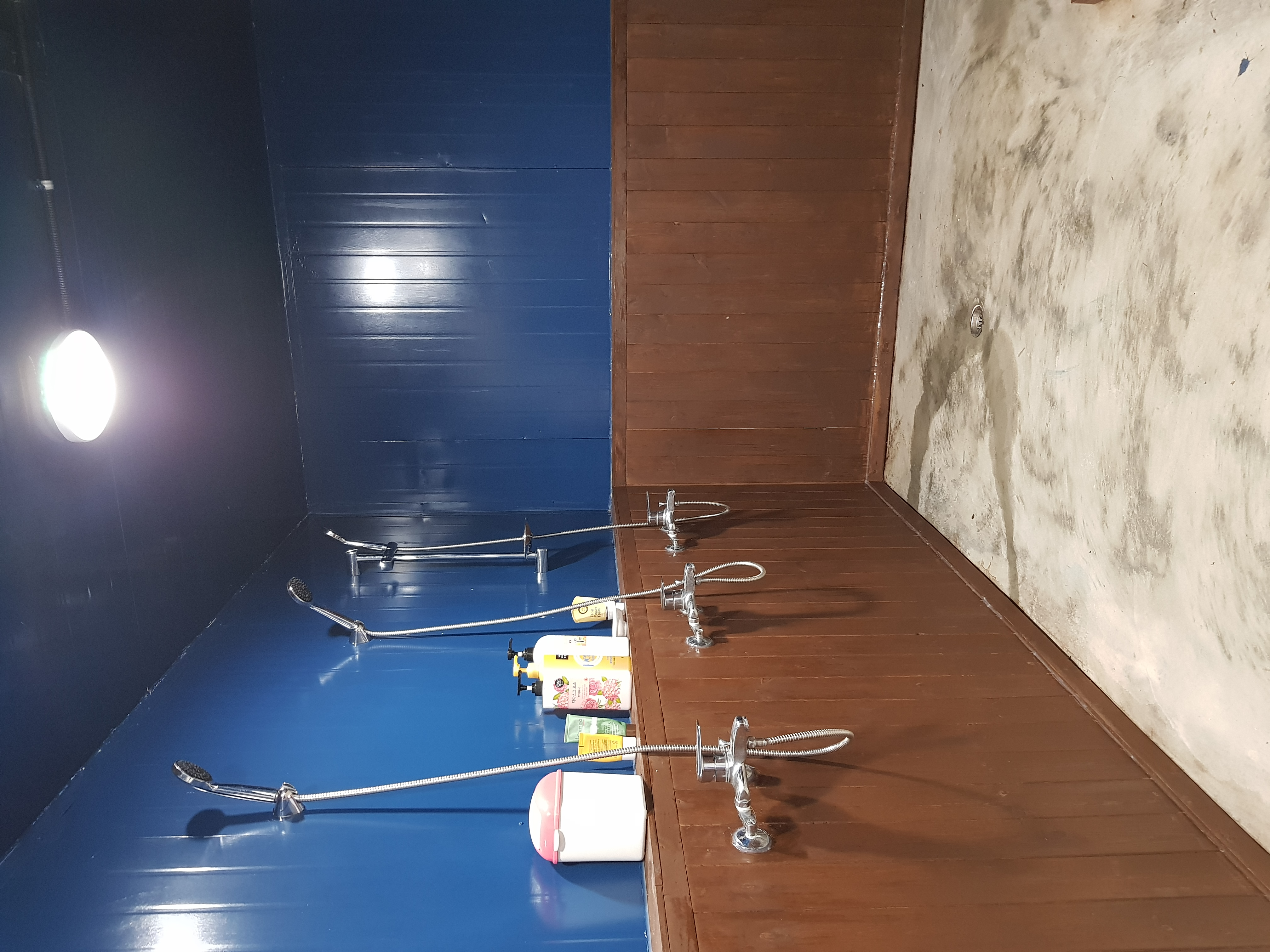 블루인다이브 샤워실