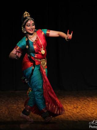 Prateeksha Kashi performing Kuchipudi - Aatreyi Bose
