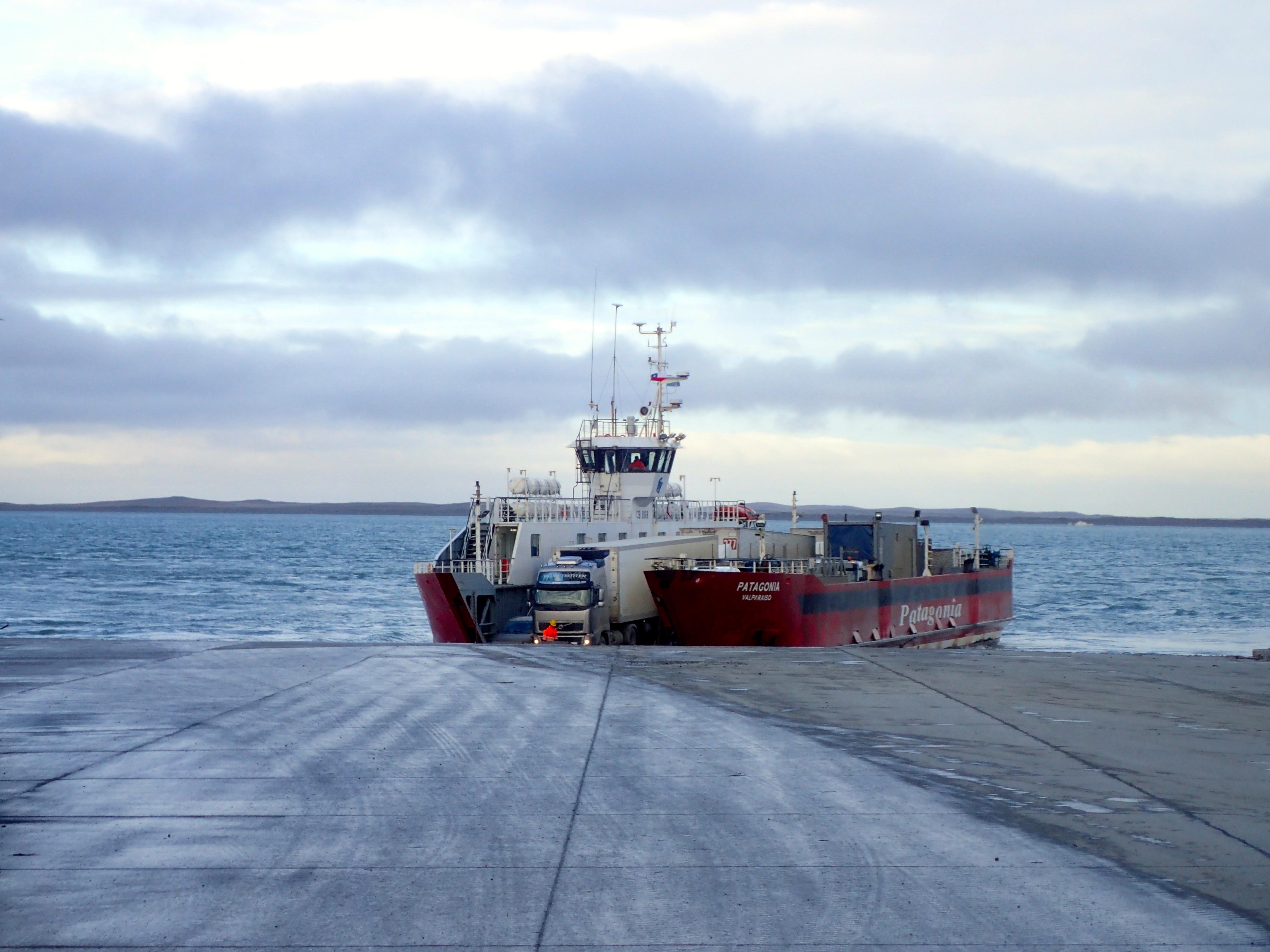 Ferry - Estrecho de Magallanes