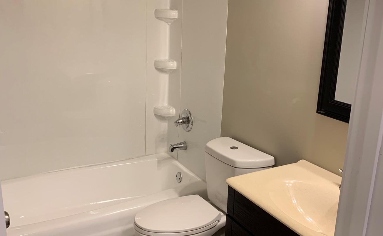Bathroom1_edited_edited.jpg