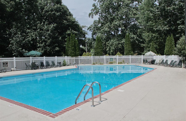 new-salem-village-winston-salem-nc-pool