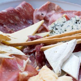 Selezione di salumi e formaggi